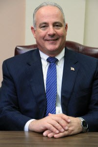 Mayor  :  Robert D. White (D)